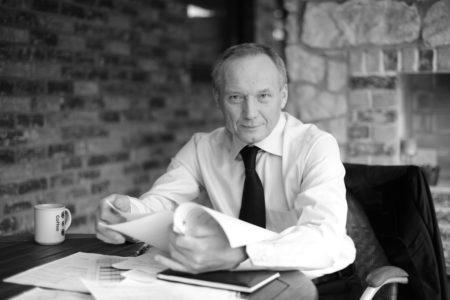 kirjailija Uladzimir Njakljajeu