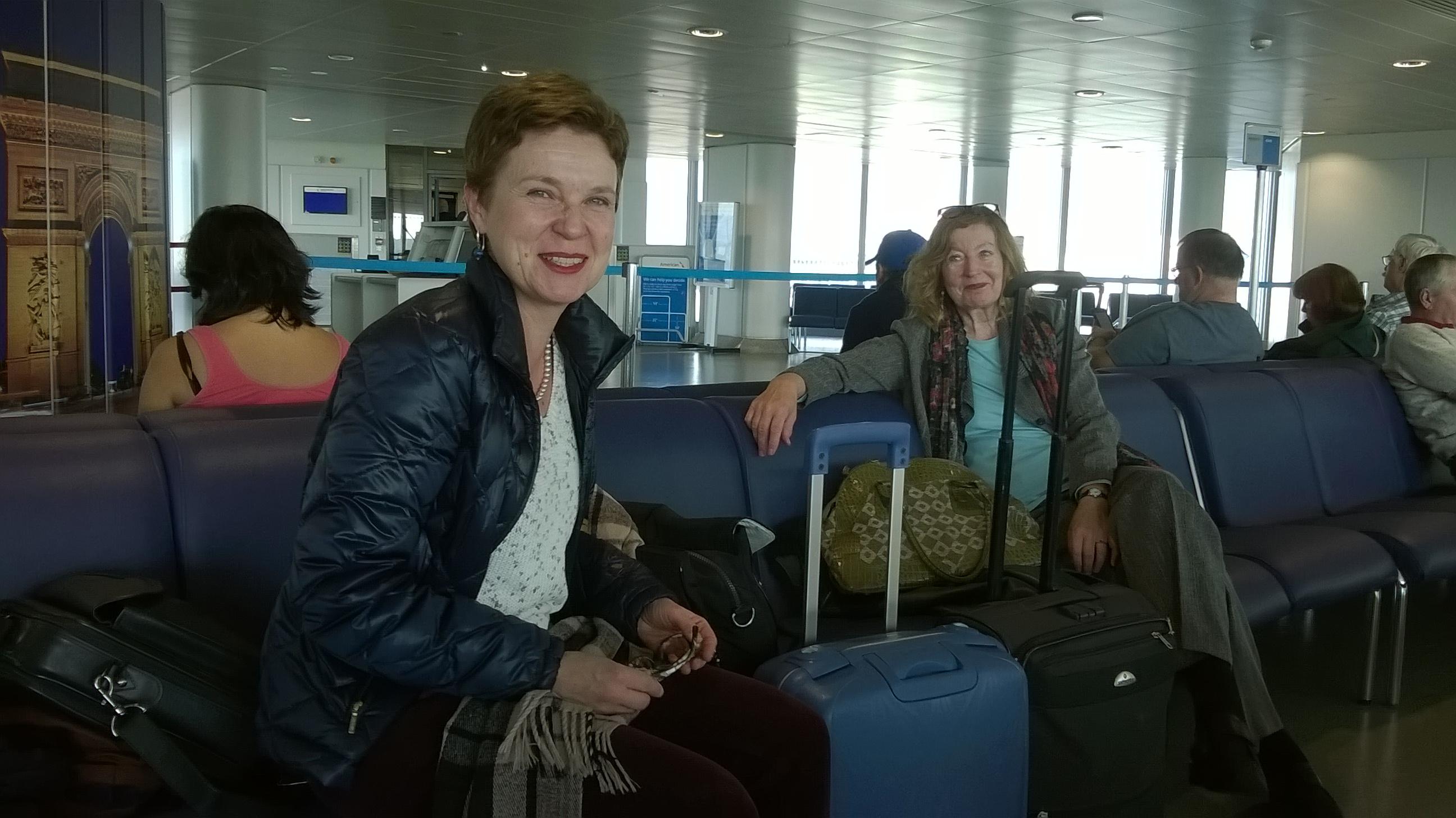 Matkaajat Manchesterissa - Sirpa Kähkönen & Marianne Bargum.