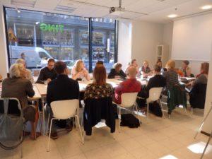 Ensimmäisenä kokouspäivä käynnistyi Pohjoismaisessa kulttuuripisteessä 8.9.2016. Osallistujat esittelivät omien PEN-keskustensa toimintaa ja niiden ajankohtaisia teemoja.
